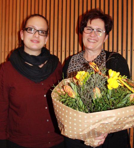 Märchenerzählerin Romy Gustin und Jubilarin Barbara Frischknecht